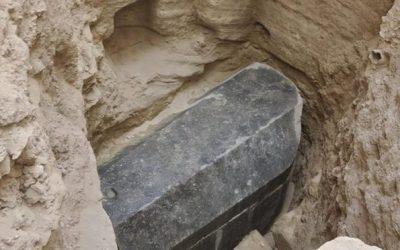 Што се крие во новооткриениот масовен саркофаг од Египет?