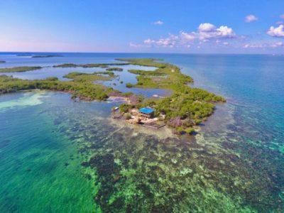 10 приватни острови што можете да ги изнајмите на Airbnb