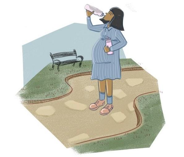 Како да ја преживеете летната бременост?