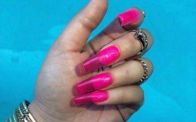 Најновиот тренд на Инстаграм: Провидни нокти