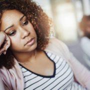 5 знаци дека партнерот ве контролира без да бидете свесни за тоа