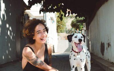 Истражување покажало дека врската помеѓу луѓето и кучињата е неверојатно силна