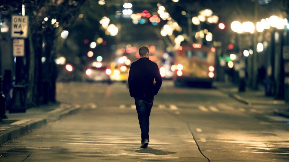 Што велат 5 познати духовни учители за болеста осаменост?