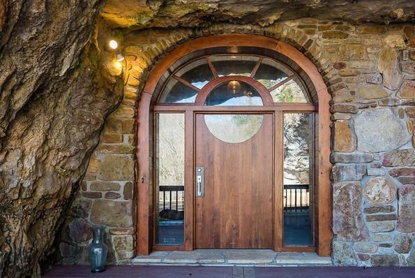 Некој продава неверојатен дом сокриен во пештера