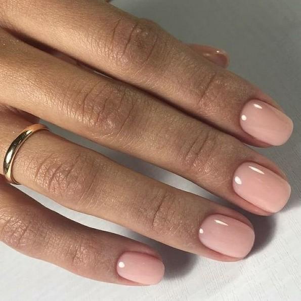 5 лакови за нокти што најдобро одговараат со темен тен