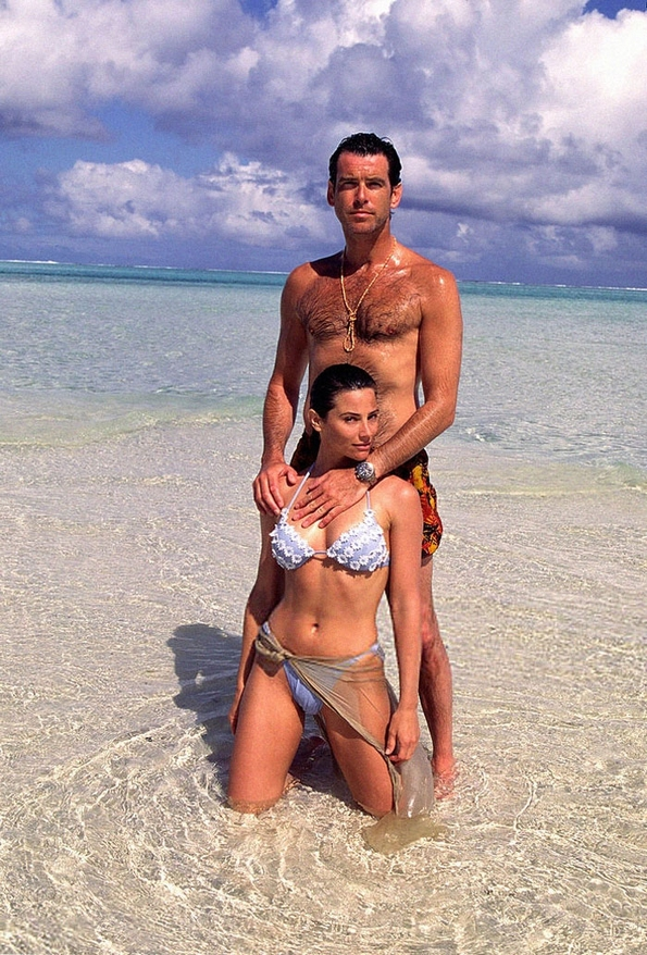 Прекрасната љубовна приказна помеѓу Пирс Броснан и неговата сопруга Кели ќе ви докажат дека љубовта може да трае подолго од 25 години