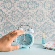 Што значи кога ќе се разбудите пред вашиот аларм?