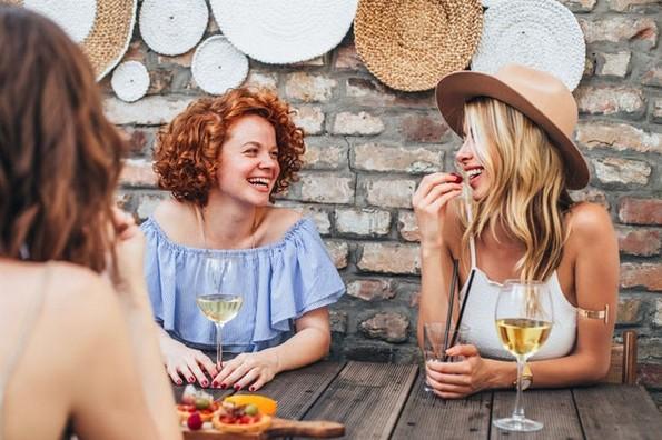 5 знаци дека поминувате премногу време со вашиот партнер и ви е потребен простор