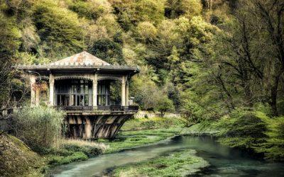 Неверојатни фотографии од напуштениот град Абказија, Грузија