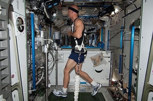 25 факти за вселената што астронаутите сакаат да ги знаете