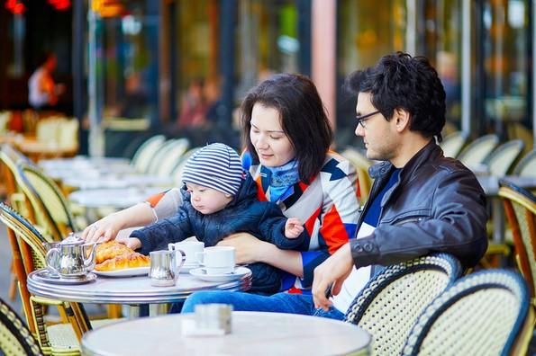 Колку долго трае породилното отсуство во разни држави?