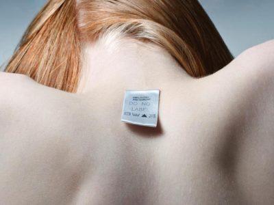 Глупав, дебел, неспособен: Зошто имаме потреба да ги етикетираме луѓето?