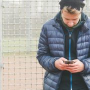 Како да го преболите бившиот партнер во ерата на социјалните мрежи?