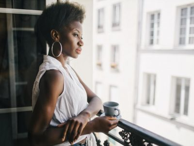 11 причини зошто жените со анксиозност се најсилни