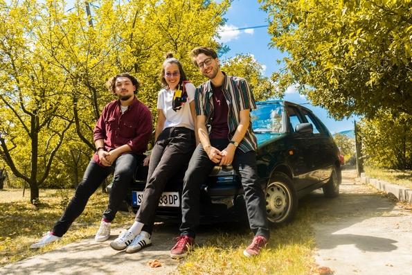 """Како македонското спонтано музичко трио DUPER всушност стана толку СУПЕР? Дознајте која е нивната """"тајна состојка"""""""