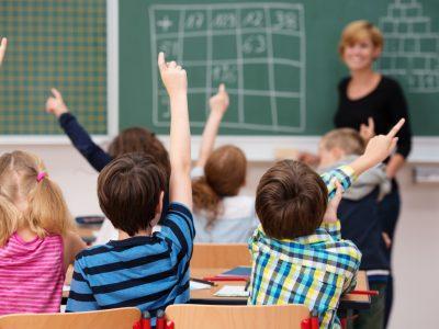 Угледен норвешки педагог: Училиштето не ги подготвува децата за живот, туку им го убива духот