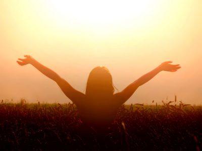 15 начини да го отворите вашето срце и да ја пронајдете безусловната љубов