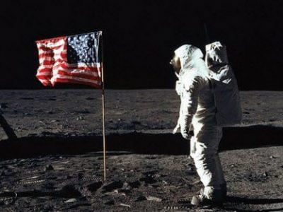 Луди факти што никој не ви ги кажал за првото слетување на месечината