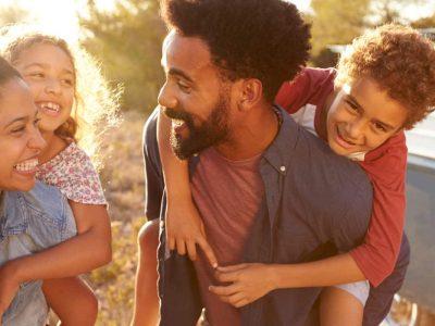 7 нешта што ги прават родителите на децата со голема самодоверба