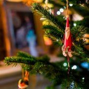 Фенг шуи за богатство и среќа во 2019-та година: Како да ги поставите новогодишните украси?