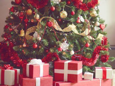 Луѓето кои порано почнуваат со новогодишното украсување се посреќни