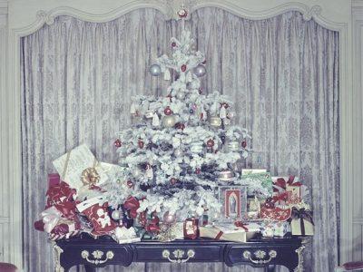 Фотографии од 50-тите и 60-тите кои докажуваат колку се променило божиќното украсување во домовите