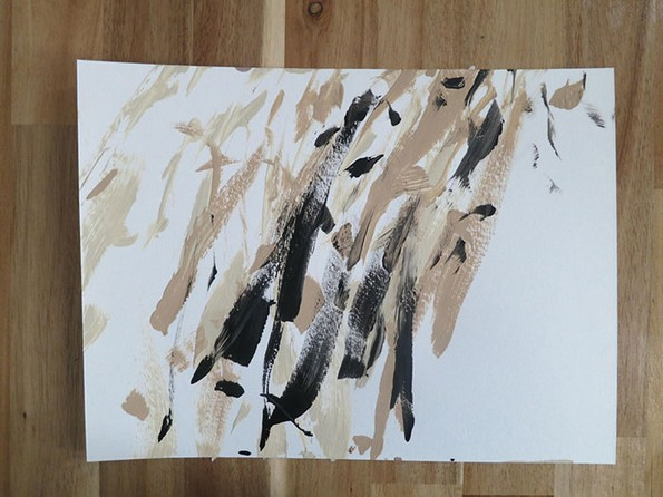 Запознајте го Хантер, кучето што црта апстрактни ремек-дела