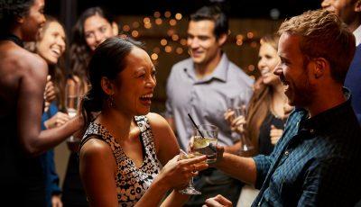 4 едноставни начини да бидете посоцијални доколку сте интроверт