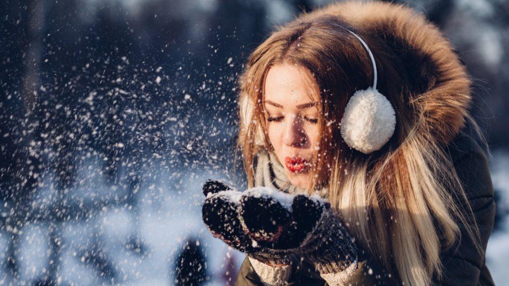 4 едноставни начини да останете среќни и полни со енергија за време на зимските месеци