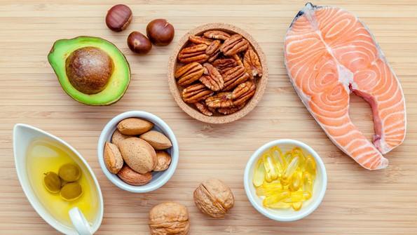 5 видови храна што ја прават вашата коса мрсна и 3 намирници што го спречуваат тоа