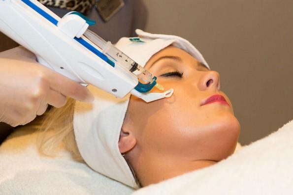 9 популарни процедури за убавина што козметичарите никогаш не би ги направиле на себе
