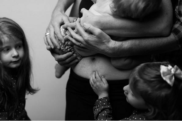 Фотограф покажува како навистина изгледа женското тело по бременост