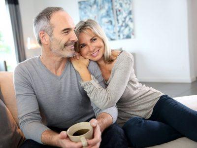 Истражување: Браковите стануваат посреќни со текот на времето
