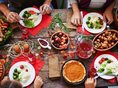 Истражување: Како да го спречите дебелеењето за време на празниците?