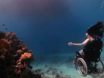 Магично истражување на океанот со подводна инвалидска количка