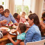 10 начини да ја зацврстите љубовта во вашето семејство