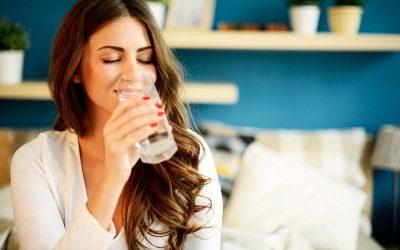 11 предупредувачки знаци дека не пиете доволно вода