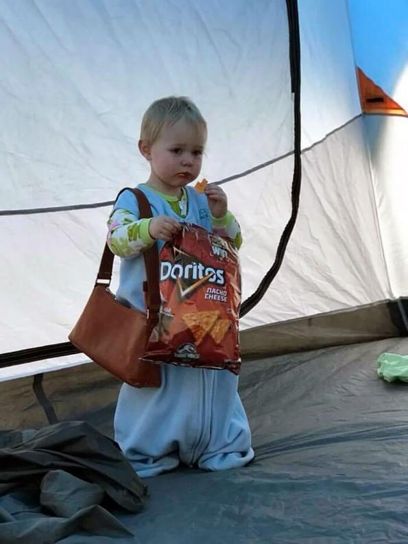Урнебесни фотографии што докажуваат дека децата секогаш ќе прават што сакаат