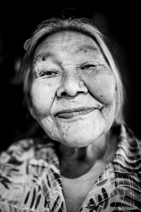 """Фотограф ги доловува вистинските изрази на луѓето без нивните """"маски"""""""