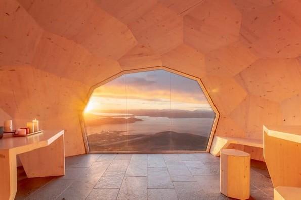 Кабина за планинари во Норвешка која е склопена како 3Д сложувалка