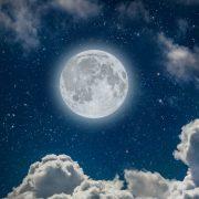 5 начини да ја искористите огромната енергија на полната месечина