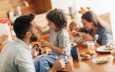"""5 проблеми во модерното воспитување поради кои родителите се """"робови"""" на нивните деца"""
