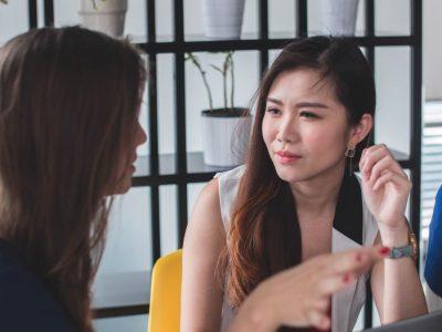 5 сигнали од говорот на телото коишто е лесно да ги испуштите