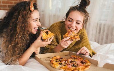 Сакате да јадете со вашите раце? Еве што тоа кажува за вас