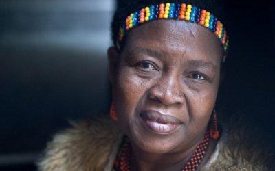 Жена од Малави поништила 850 детски бракови во нејзината држава и ги вратила девојчињата на училиште