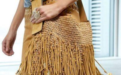 Оваа сезона, плетените торби не се само за летни комбинации