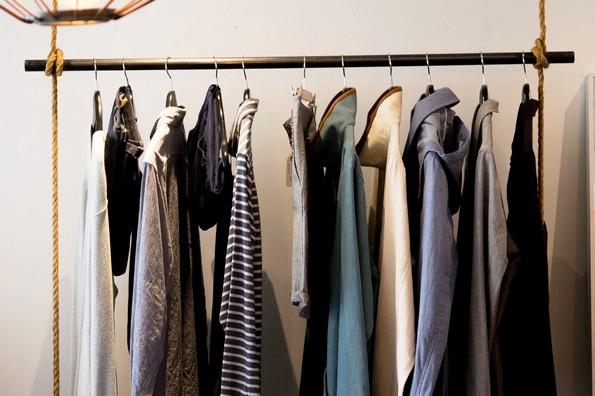 12 трикови со кои ќе ѝ го продолжите животот на вашата облека