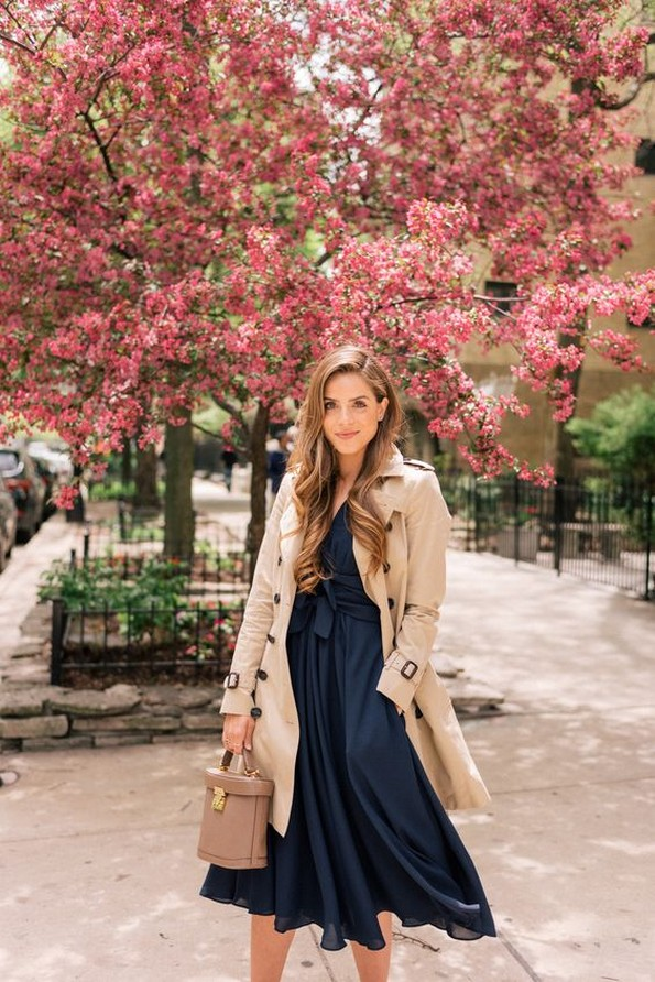 Романтични миди фустани погодни за секоја прилика