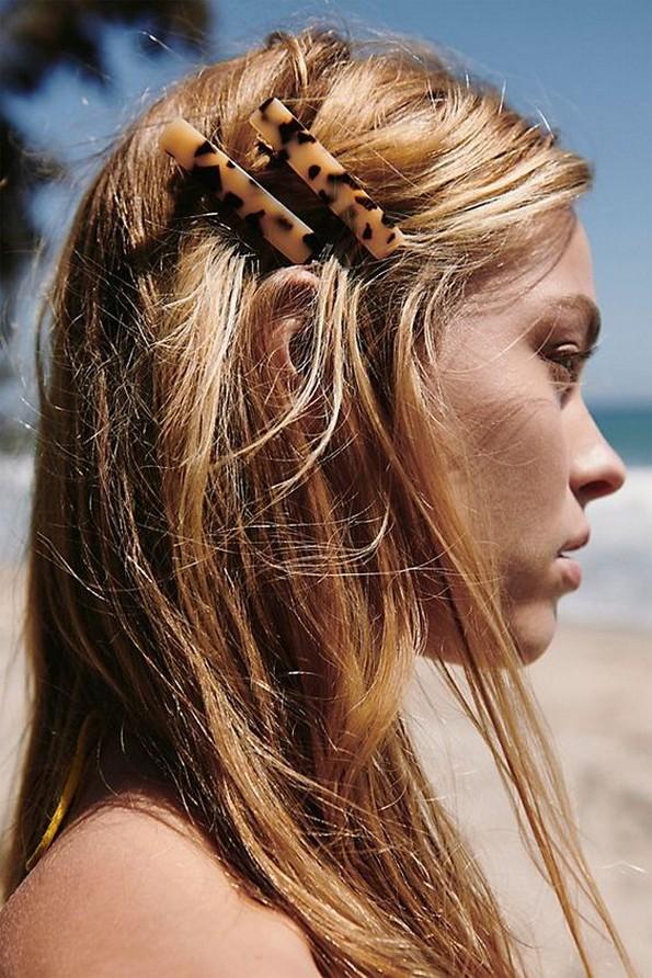 Украсните шноли за коса повторно се хит