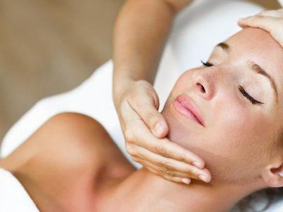 5-минутна јапонска масажа за подмладување на лицето